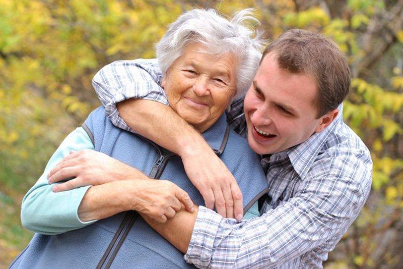 Опека над бабушкой освобождает от армии
